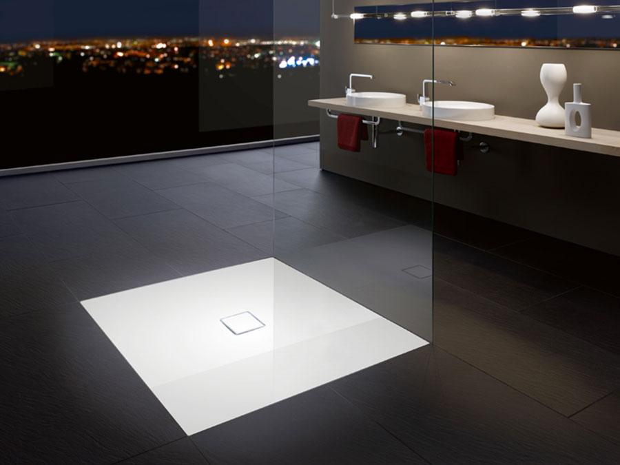 Modello di doccia a filo pavimento n.04