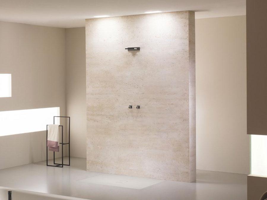 Modello di doccia a filo pavimento n.05