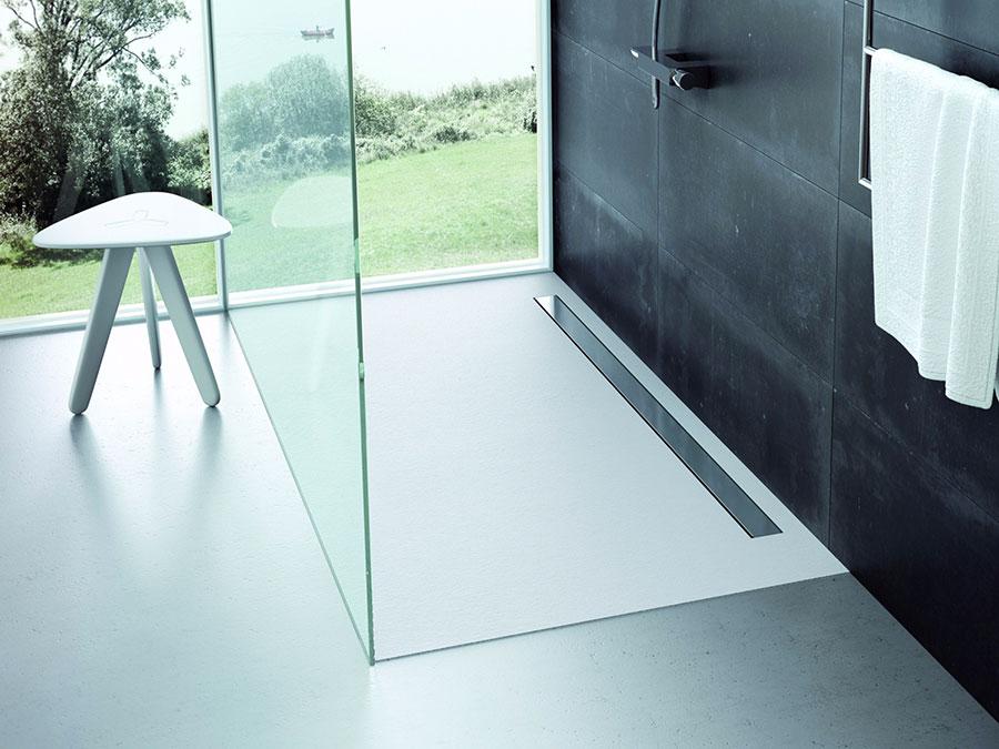 Modello di doccia a filo pavimento n.14