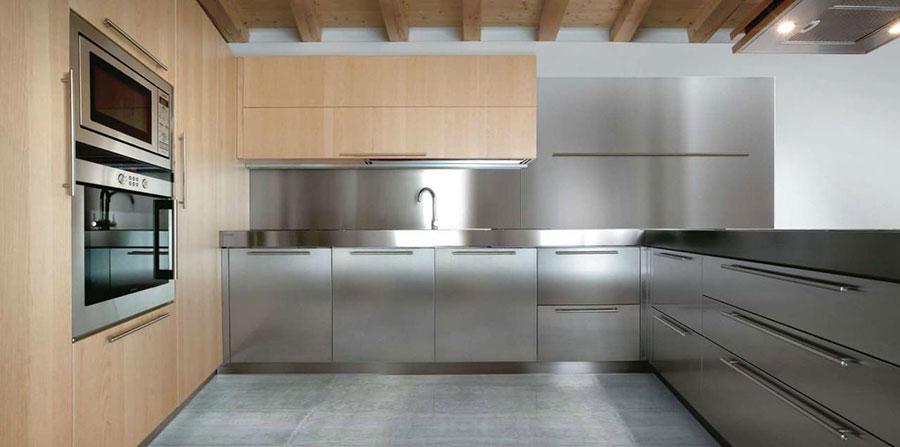 Idee per paraschizzi cucina in acciaio n.01