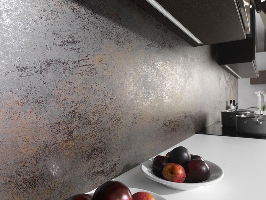 Idee per paraschizzi cucina in acciaio decorato n.07