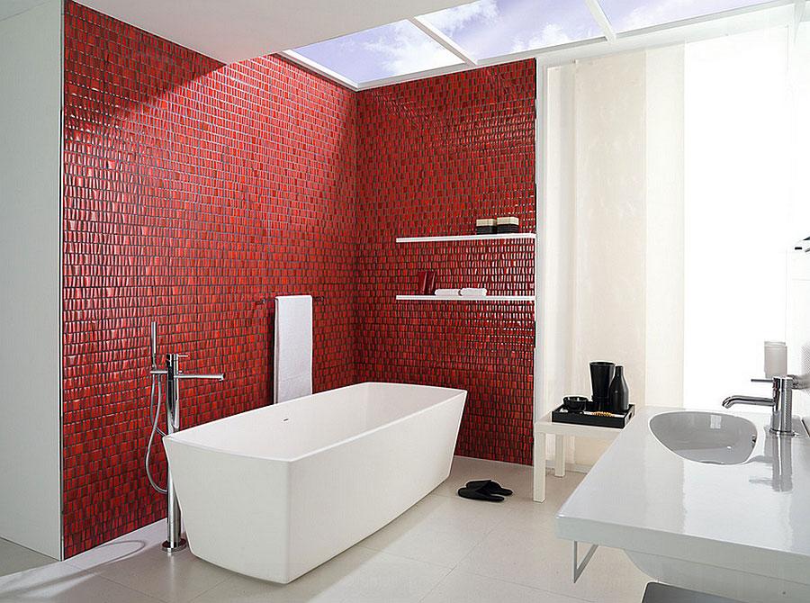 Idee per arredare un bagno rosso e bianco 10