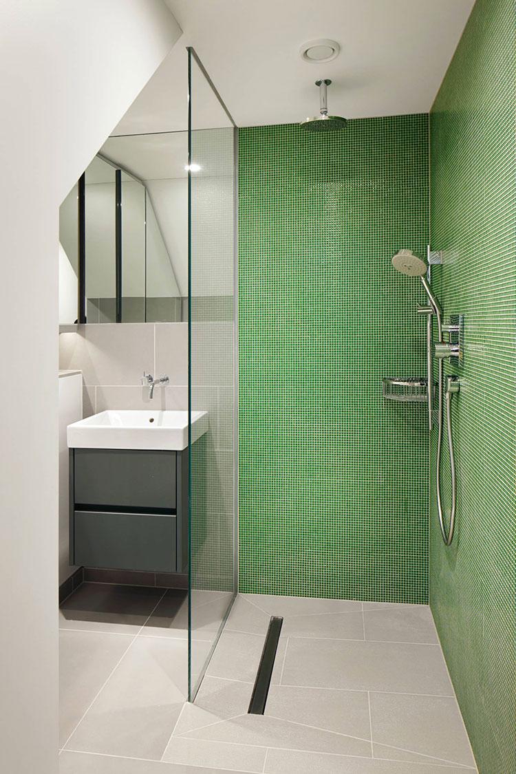 Idee per un bagno verde e bianco 4
