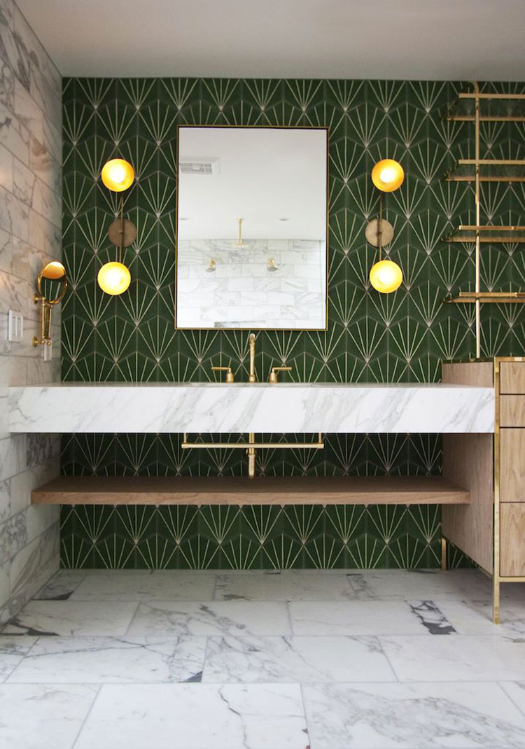 Idee per un bagno verde scuro 4