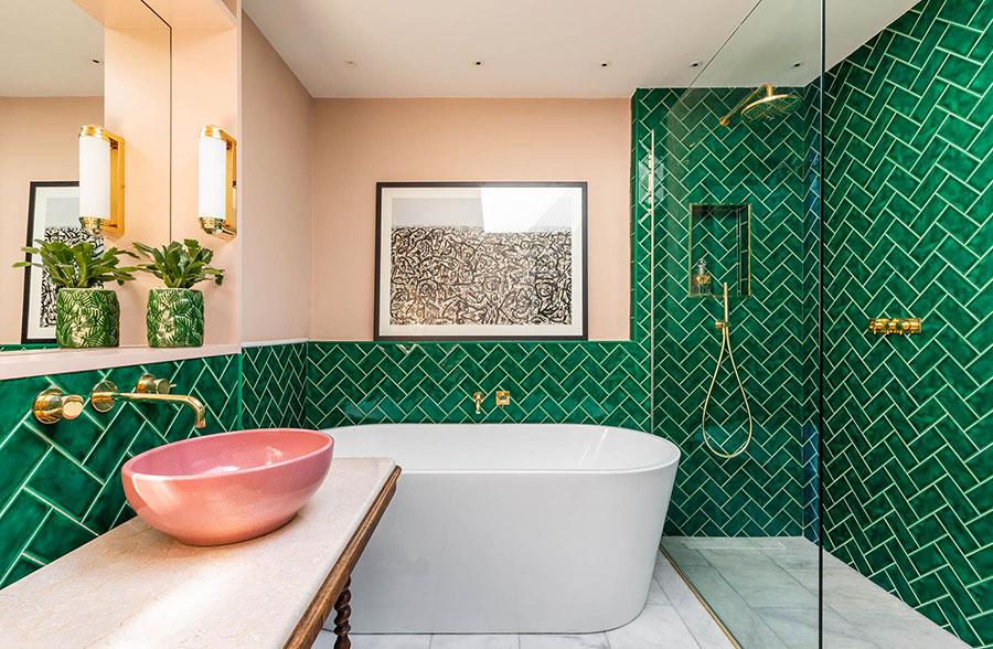 Idee per un bagno verde smeraldo 1