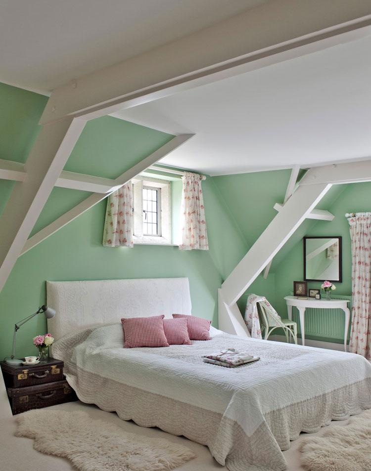 Idee per una camera da letto verde menta n.1
