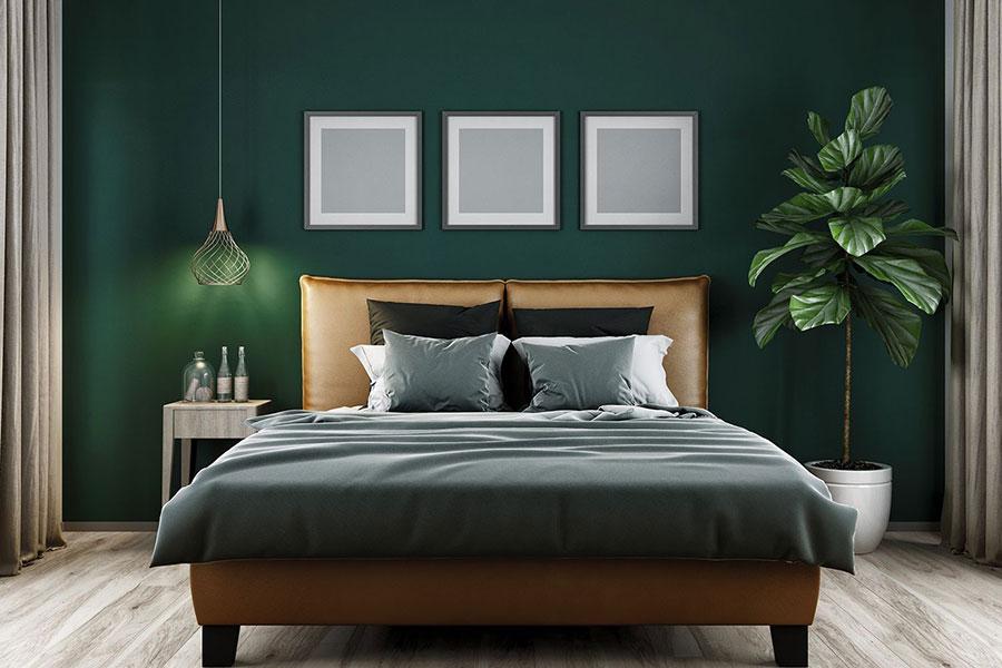 Idee per una camera da letto verde scuro n.1
