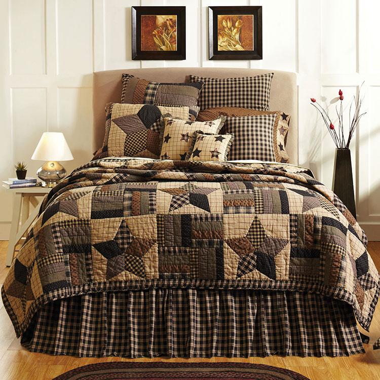 Tessuti patchwork per arredare una camera da letto country chic n.03