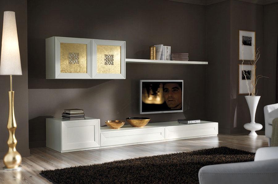 Colore marrone per pareti di un soggiorno classico n.01