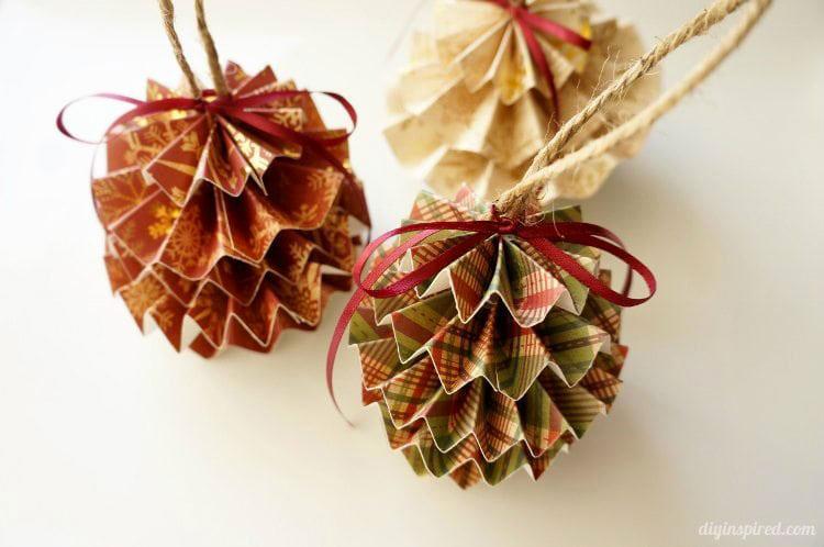 Idee per decorazioni natalizie con la carta n.02