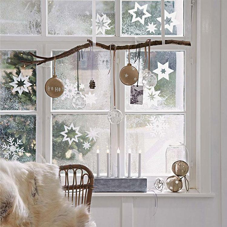 Idee per decorare le finestre per il Natale n.01