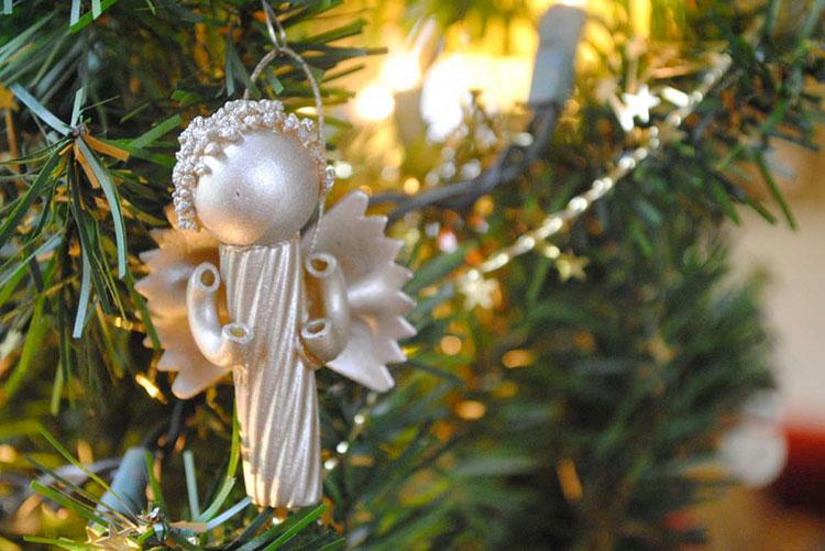Idee per decorazioni natalizie con la pasta n.01