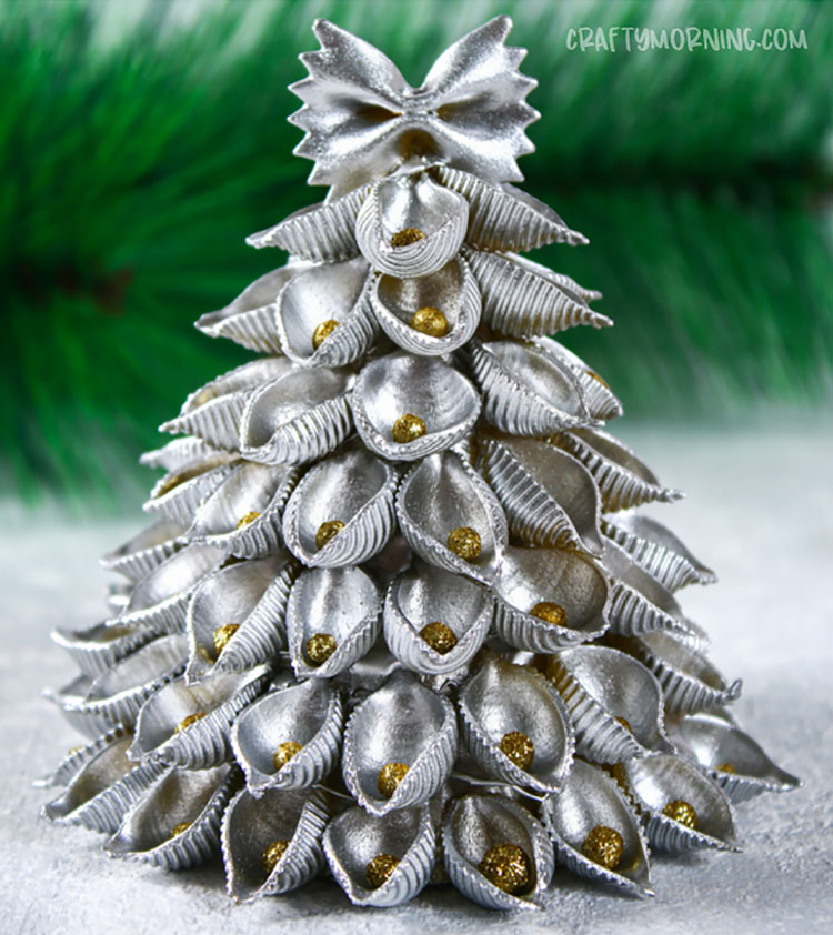 Idee per decorazioni natalizie con la pasta n.05