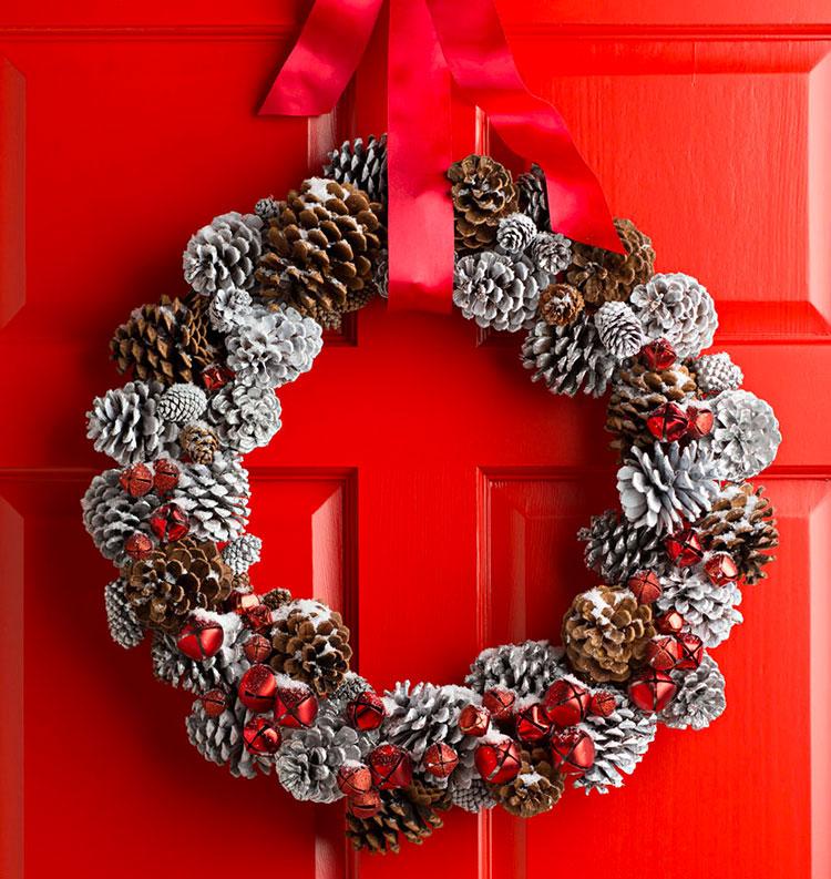 Idee per decorazioni natalizie con le pigne n.02
