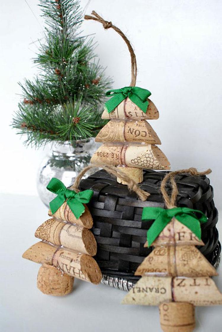 Idee per decorazioni natalizie con i tappi di sughero n.01