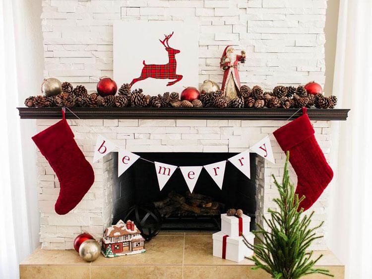 Idee per decorazioni natalizie per il camino fai da te n.02