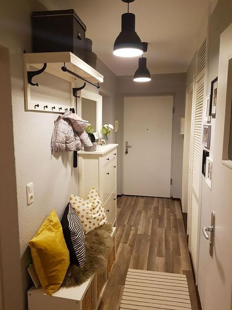 Idee per arredare un corridoio stretto e corto con una panca n.03