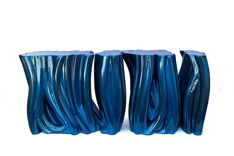 Consolle classic blue pantone 2020