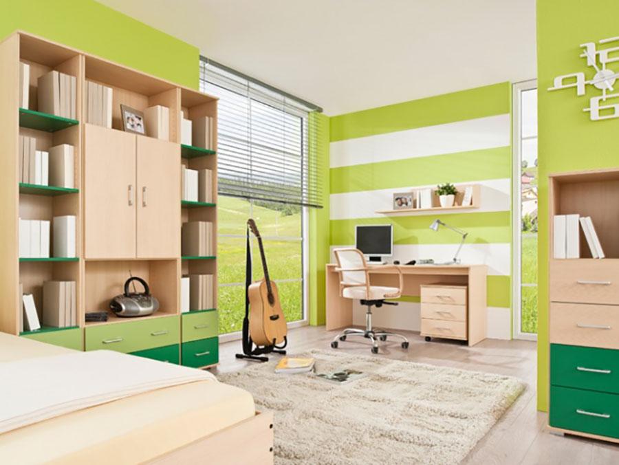 Idee per arredare e decorare una cameretta verde e bianca n.08