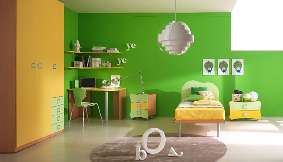Idee per arredare e decorare una cameretta verde e arancione n.01