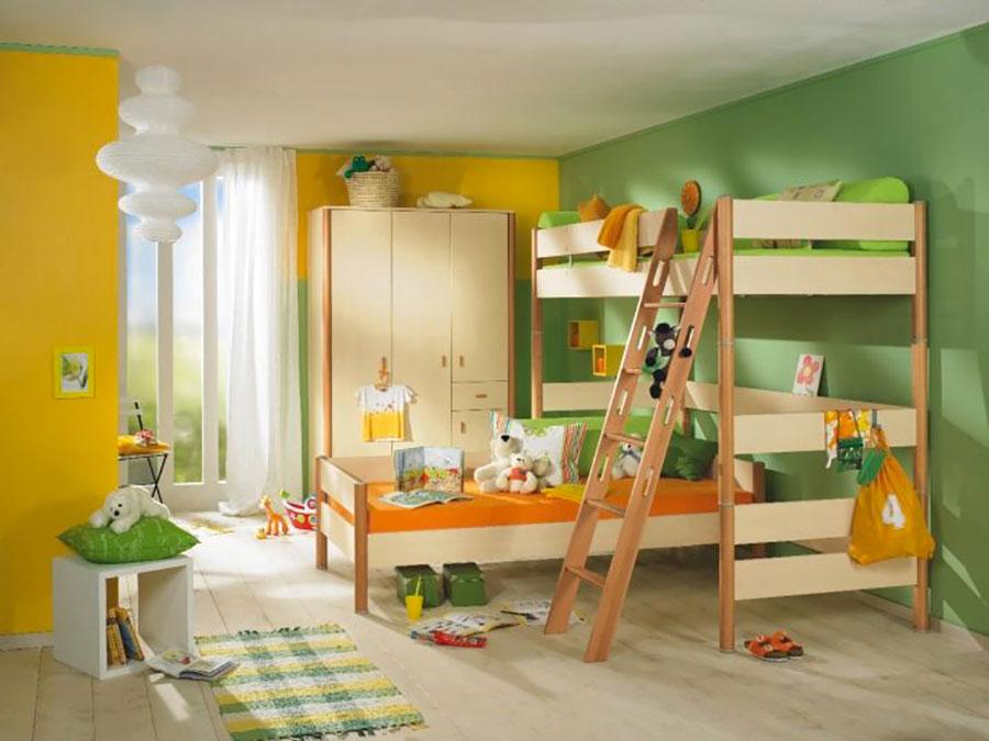 Idee per arredare e decorare una cameretta verde e arancione n.02