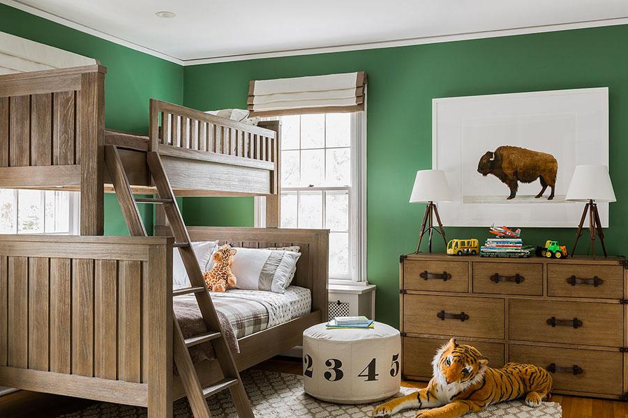Idee per arredare e decorare una cameretta verde scuro n.02