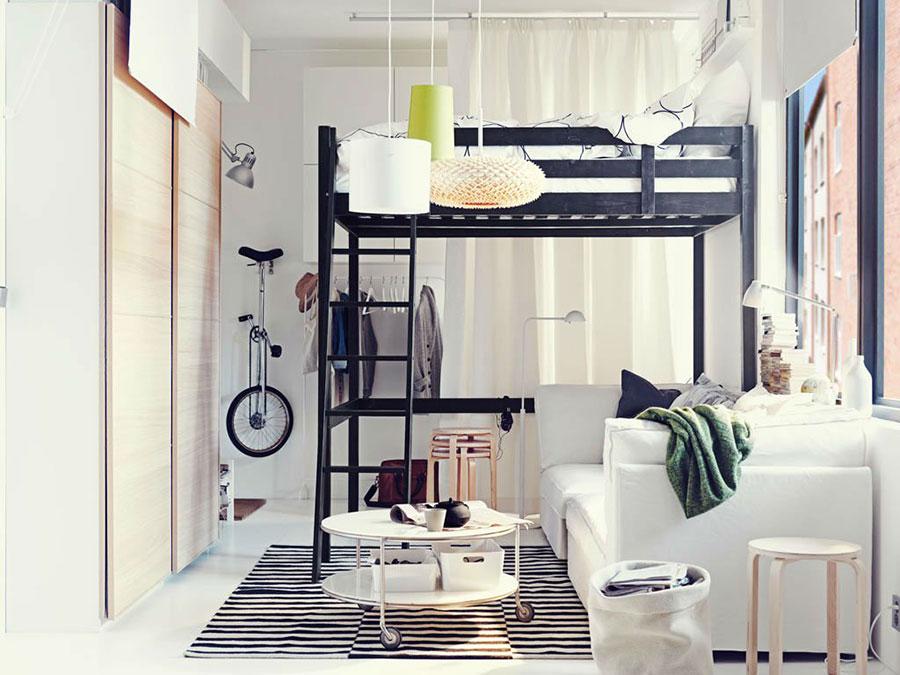 Modello di letto a soppalco matrimoniale Ikea n.01