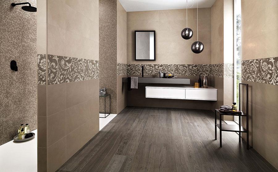 Idee per un bagno tortora e beige n.01
