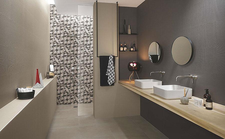 Idee per un bagno tortora e grigio n.01