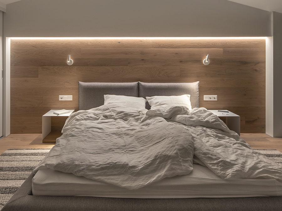 Modello di boiserie moderne per la camera da letto n.04