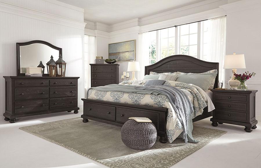 Idee per pareti bianche per camera da letto con mobili scuri n.03