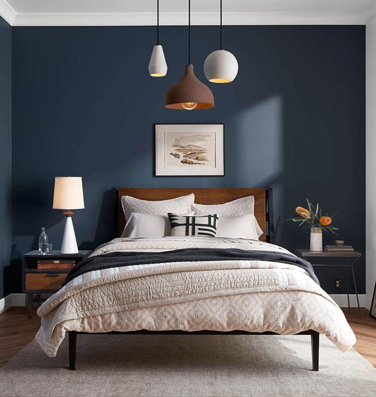 Idee per pareti blu per camera da letto con mobili scuri n.02