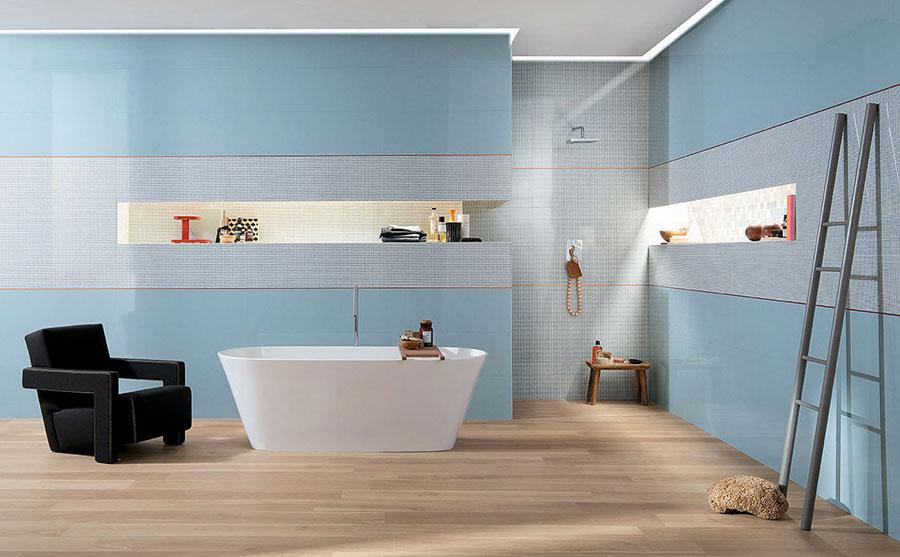 Idee per bagno di colore azzurro n.01