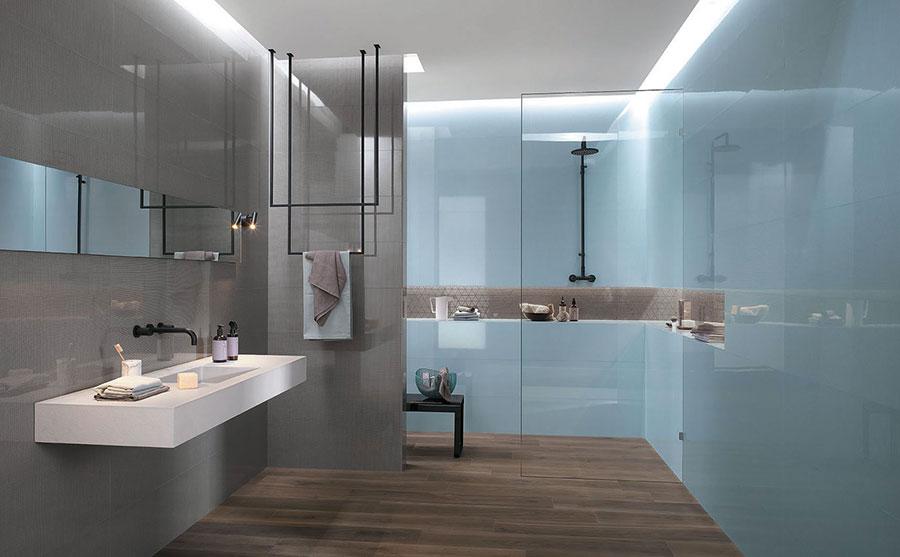 Idee per bagno di colore azzurro n.02