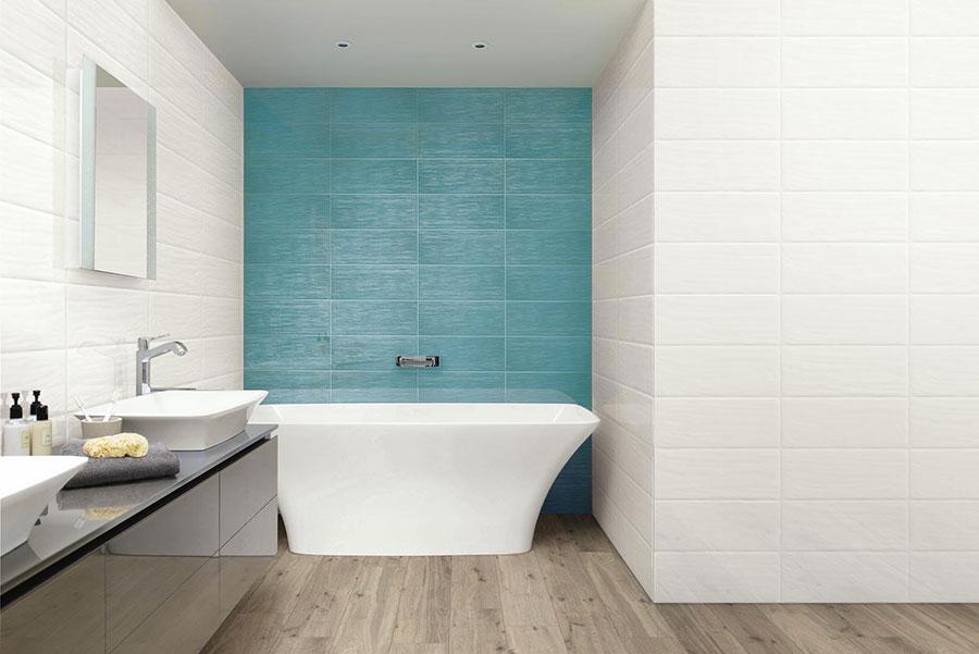 Idee per bagno di colore azzurro n.05
