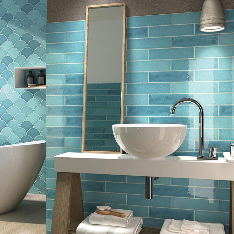 Idee per bagno di colore azzurro n.13