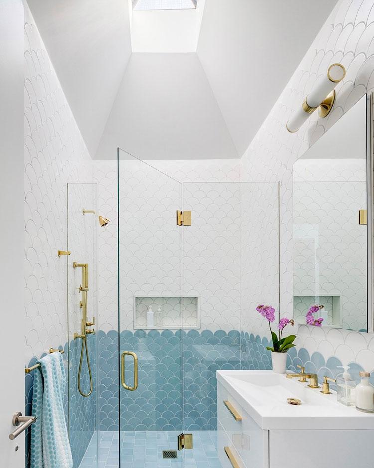 Idee per bagno di colore azzurro n.19