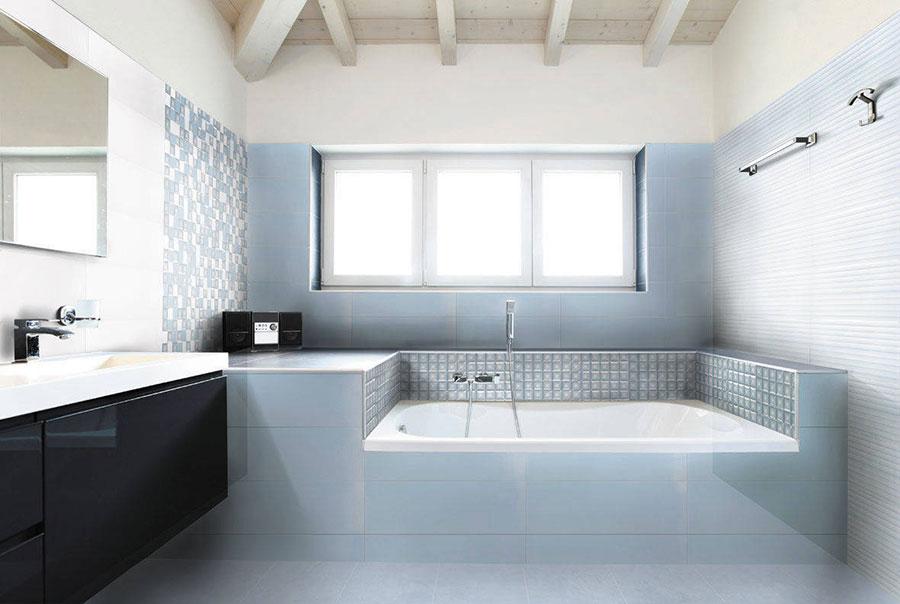Idee per bagno di colore azzurro n.20