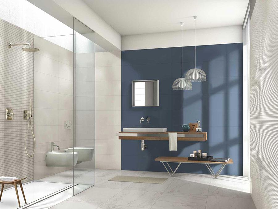 Piastrelle per bagno beige e blu n.01