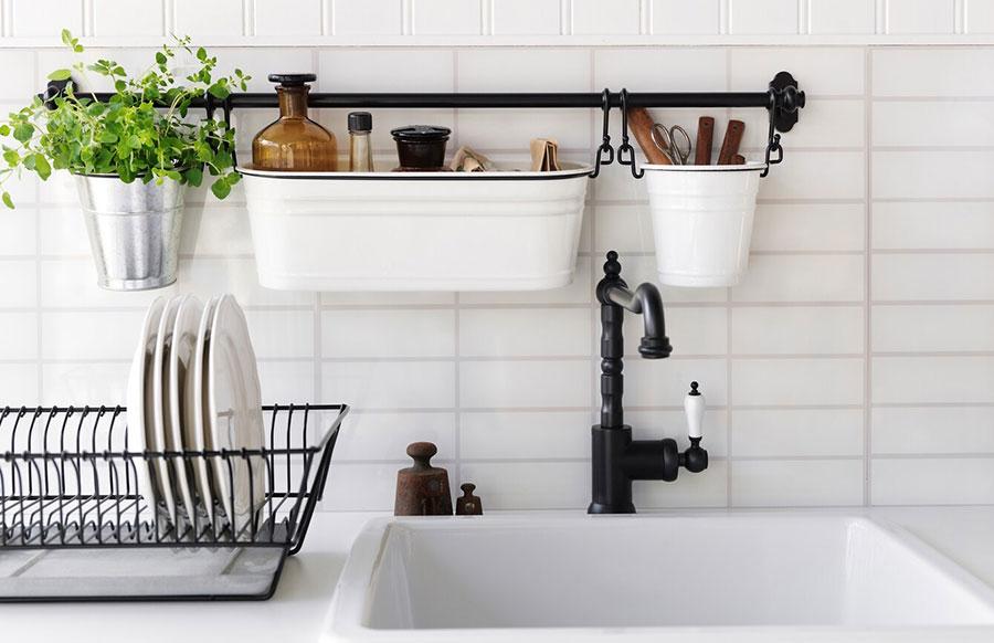 Modello di lavello e miscelatore per cucina industrial Ikea n.03