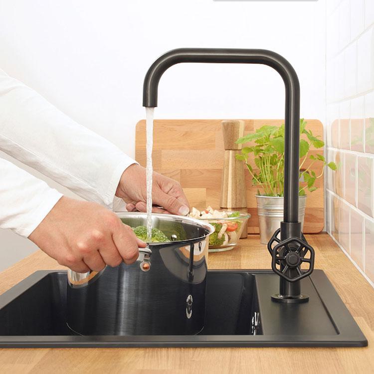 Modello di lavello e miscelatore per cucina industrial Ikea n.04