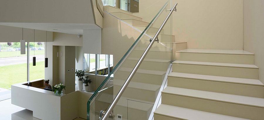 Idee per rivestimenti per scale interne in Lapitec n.01