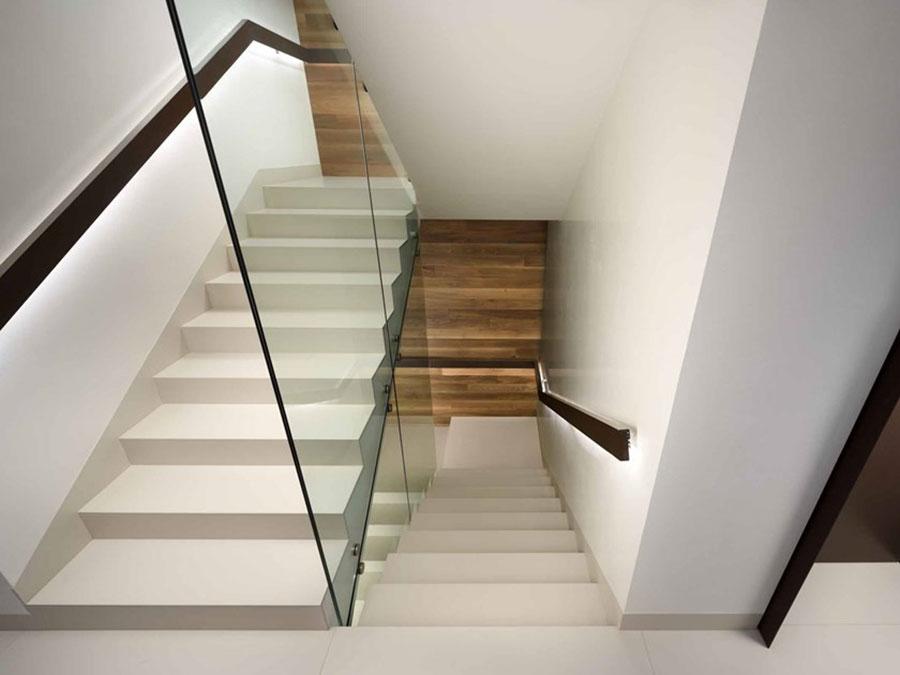 Idee per rivestimenti per scale interne in Lapitec n.02