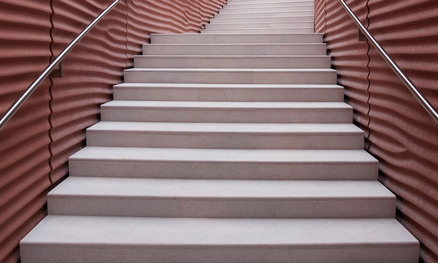 Idee per rivestimenti per scale interne in pietra n.01