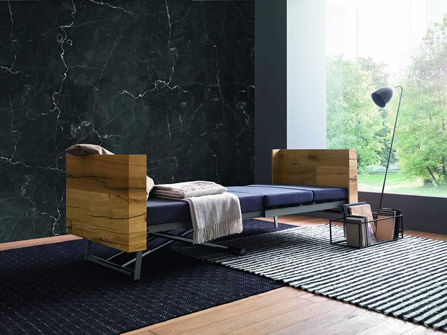 Modello di tavolo trasformabile in letto n.01