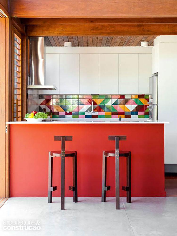 Idee per una cucina colorata moderna n.19