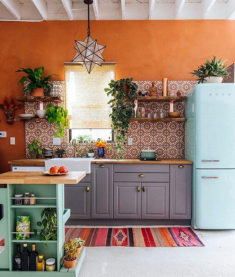 Idee per una cucina colorata vintage n.06
