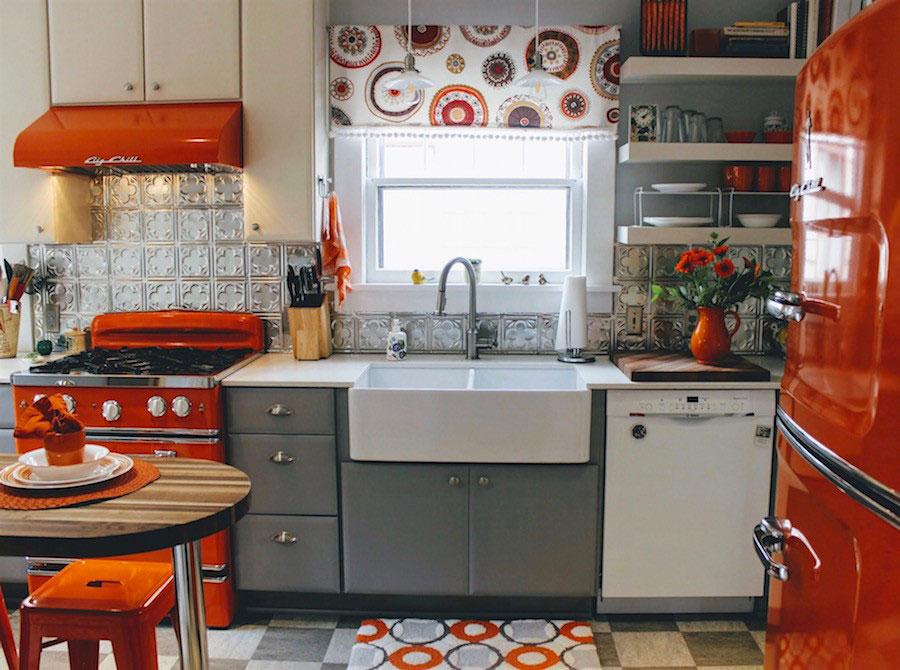 Idee per una cucina colorata vintage n.07