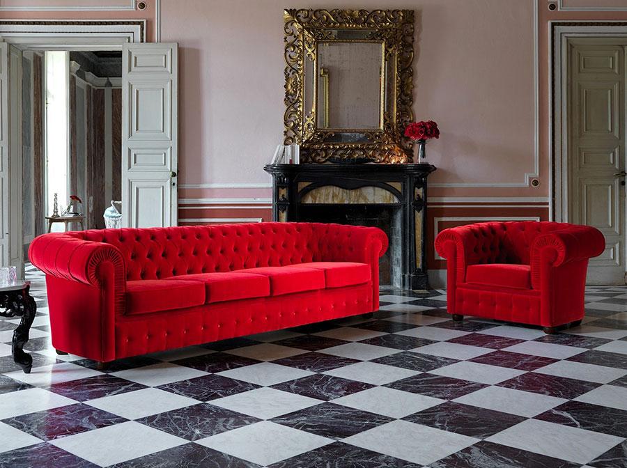 Modello di divano Divano Chesterfield rosso