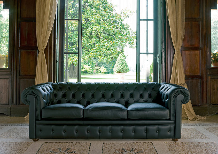 Modello di divano Divano Chesterfield a tre posti n.01